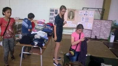 Благотворителни дейности с цел възпитаване на емпатия в децата. picture